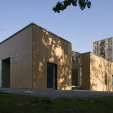 XIII. kerületi gyermekorvosi ügyelet - Révész utca (Fotó: Bujnovszky Tamás - epiteszforum.hu)