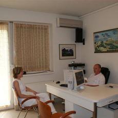 Dr. Szőcs Gyula szülész-nőgyógyász