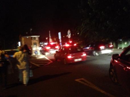 Autósor a margitszigeti parkolóban éjjel (fotó: ittlakunk.hu)